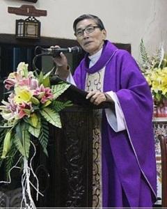Hình ảnh sau cùng cha Phụng đứng trên bục giảng tại Nhà thờ Thái Hà, DCCT (hình: TMCNN)
